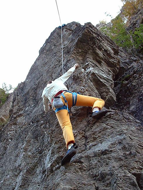 Førstebestigning av navnløs klatrerute i Tverrgjelet.
