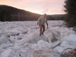 Våren 2011 dannet det seg en flere kilometer lang ispropp i Folla da isen i elva løsnet og stuvet seg sammen.