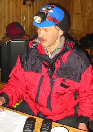 Robert Sørlie tok 2. plassen i 2003, slått med 3 minutter av nevøen Bjørnar Andersen. Noen uker seinere vant han til gjengjeld Iditarod, som historiens første ikke-amerikanske hundekjører.