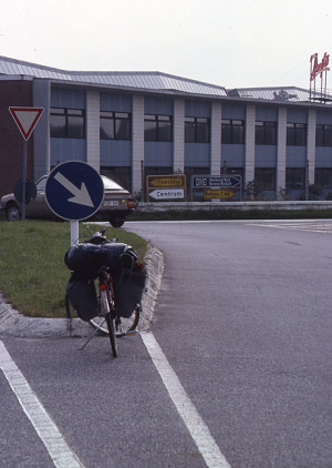 Kort stopp ved et vegkryss nær grensa mellom Danmark og Tyskland.
