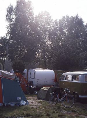 Det veslet teltet mitt ruvet ikke mellom campingvogner og campingbiler.