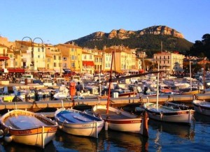 Cassis - en liten og sympatisk by, hvis man synes den ekte Rivieraen blir for mye av det gode liv.