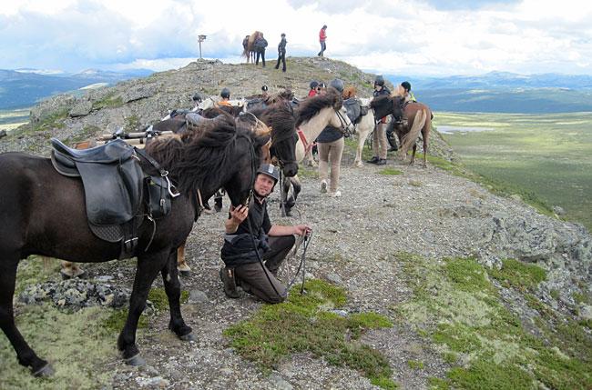 På toppen av Streitkampen med 15 islandshester sommeren 2010.