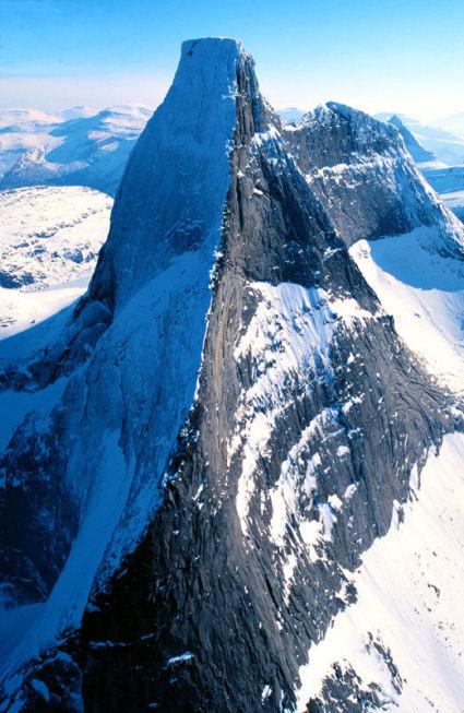 """Stetind, """"ambolten hvorpå gudene kan hamre"""", ble kåret til Norges nasjonalfjell i 2002."""