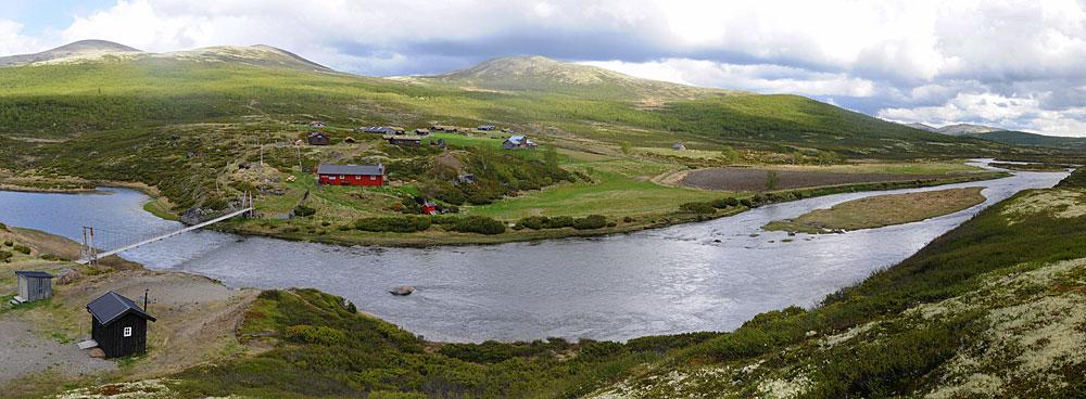 Utbyggingsselskapet GLB ønsker å demme opp nedre del av Einunndalen opp til Romsdalssetra. Det som i dag er ei idyllisk elv i Norges lengste seterdal vil da bli en gedigen, grunn innsjø med skjemmende spor etter de sesongmessige justeringene av vannstanden.