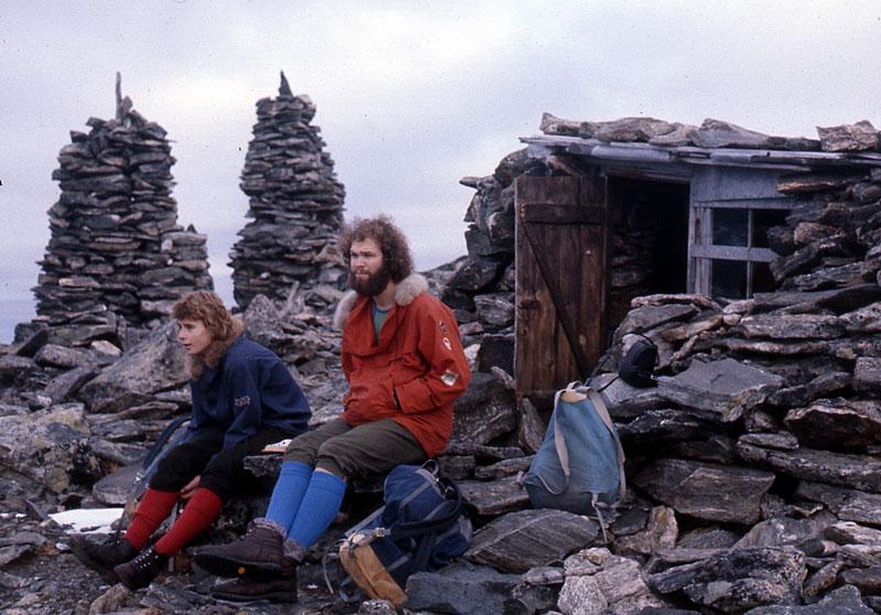 Hans Christian og Børge Østigård på toppen av Romsdalshorn, 1976.