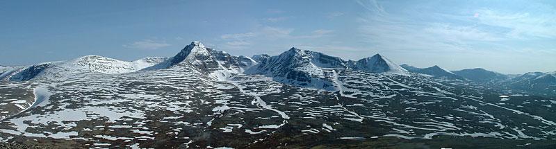 Høgronden, Midtronden og Digerronden sett fra Storelgvasshø.