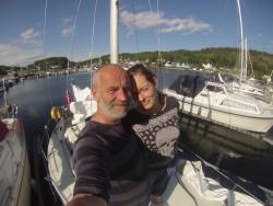 Lisbeth på besøk i båten.